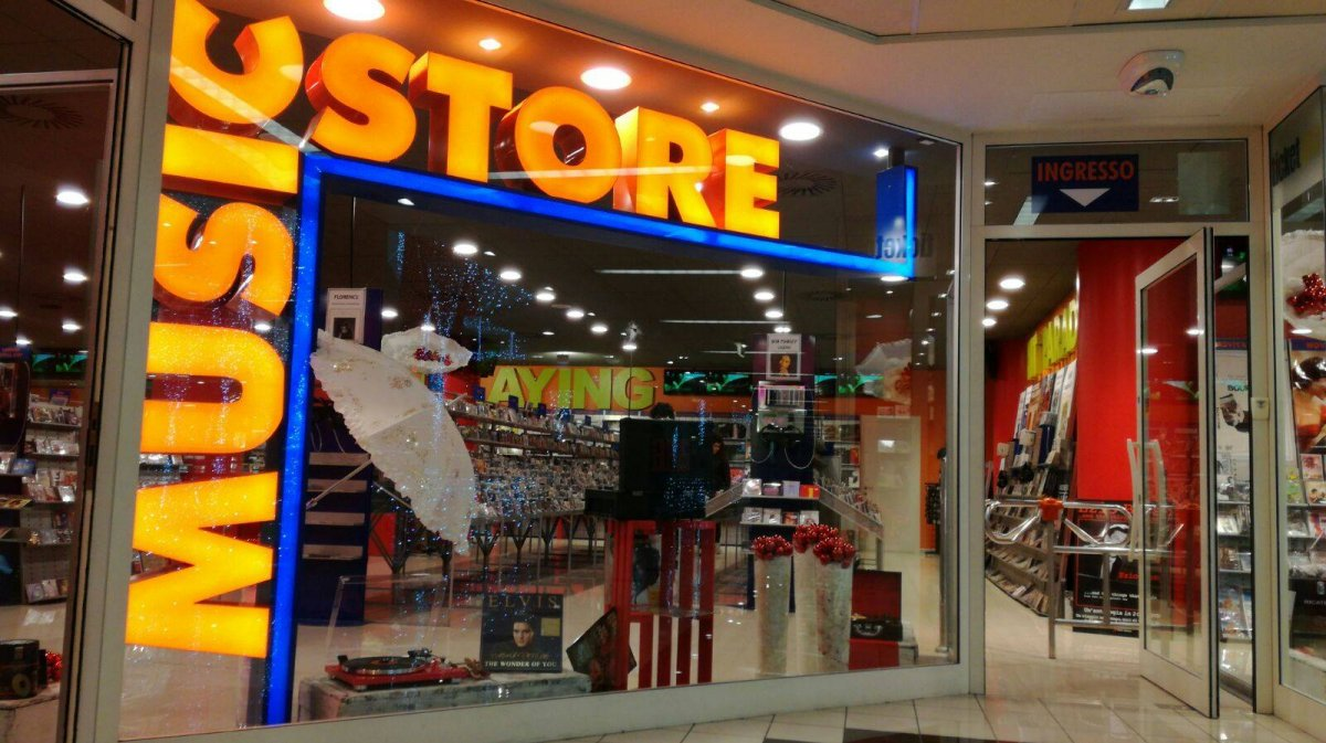 Music Store / San Marino on recordstores.love